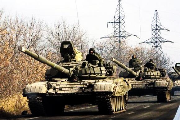 Военный конвой по дороге в Донецкой области. 10 ноября 2014.© Мстислав Чернов (580x387, 88Kb)