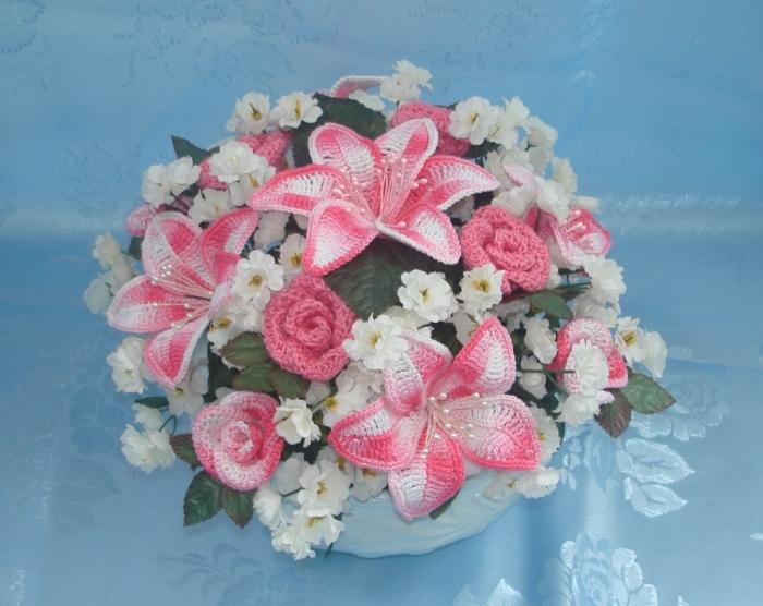 Букет из цветов вязанных крючком