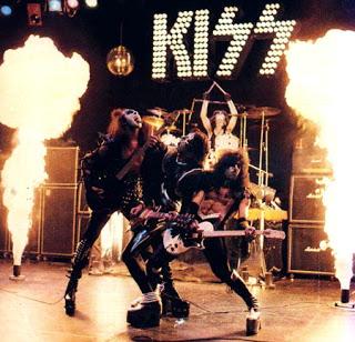kiss_live (320x308, 48Kb)