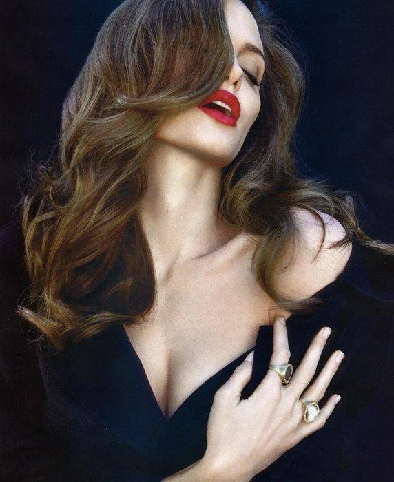 www.eroglamour.com-1-angelina-jolie-photos (572x700, 68Kb)