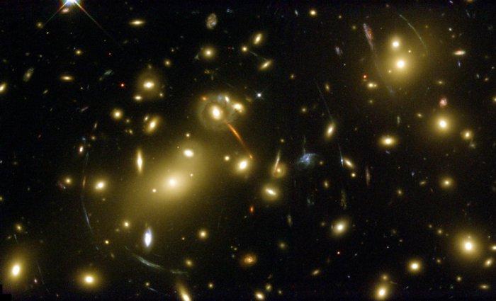 фотографии с телескопа хаббл 7 (700x425, 193Kb)