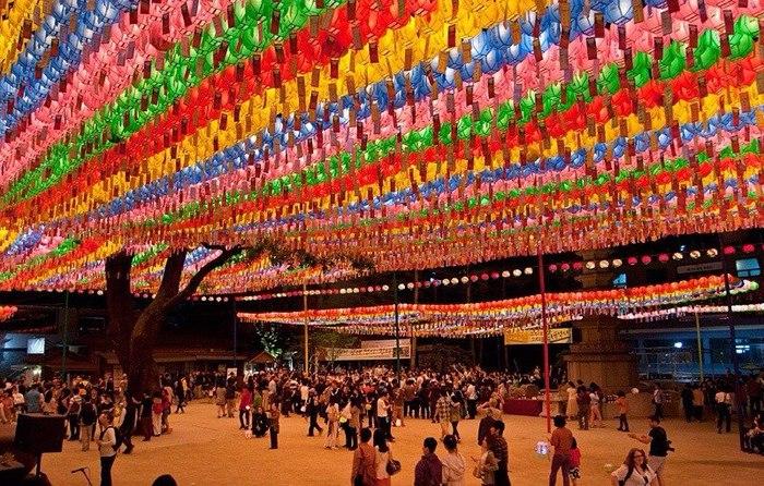 Празднование Дня рождения Будды/4535473_6uciZ1MH0ns (700x446, 146Kb)