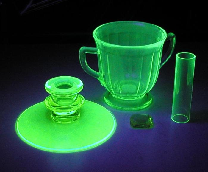 урановое стекло 8 (700x577, 347Kb)