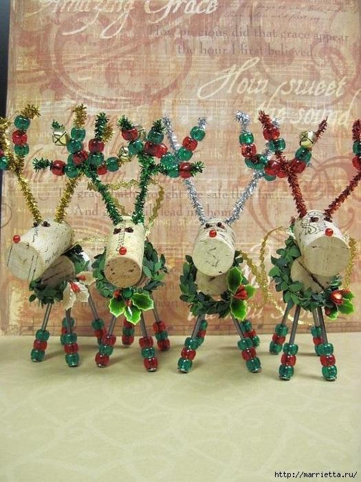 Рождественские ОЛЕНИ из пробок и веток (11) (525x700, 309Kb)