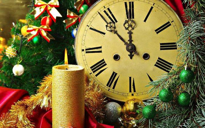 Когда приходит новый год/2757491_chas (700x437, 115Kb)