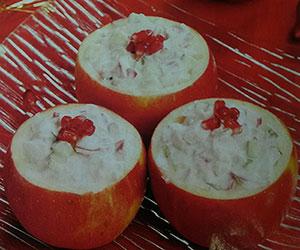 салат из курочки и яблок/4685888_2slatkyr (300x250, 25Kb)