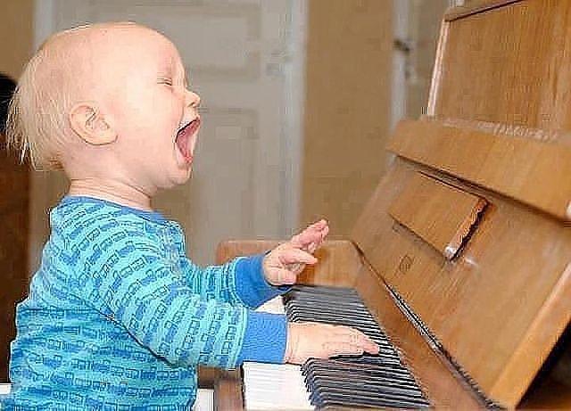 4 мам спой мне песенку про мышку шумелку я не знаю... неу ты же пела шумел камыш, деревья гнулись (640x461, 61Kb)