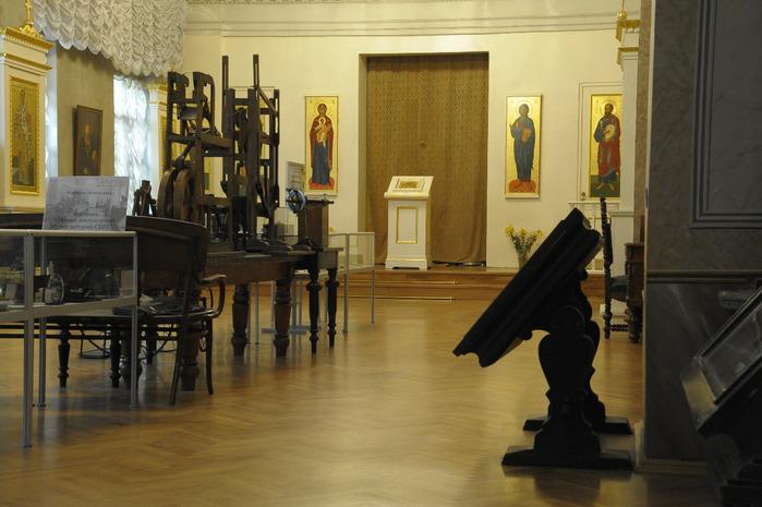 khram-svv_-app_-petra-i-pavla-pri-sankt_peterburgskom-gosudarstvennom-universitete4 (700x465, 110Kb)