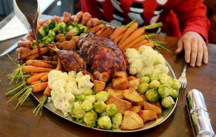 рождественнский ужин книга рекордов гиннеса 2 (700x443, 164Kb)
