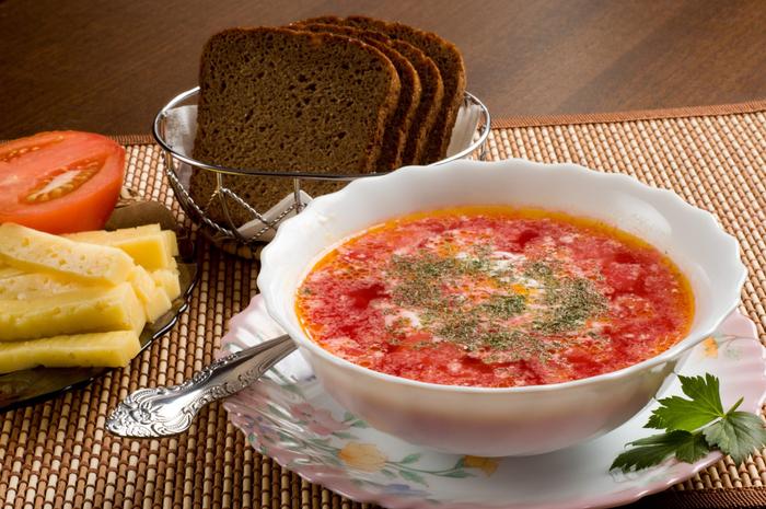 borsch_syr_pomidory_hleb_tarelka_porciya_servirovka_3008x2000 (800x565, 479Kb)