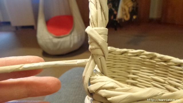 Способ плетения ручки для корзинки из газет (24) (640x360, 153Kb)