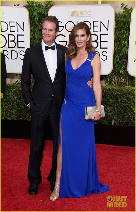 cindy-crawford-rande-gerber-golden-globes-2015-red-carpet-07 (449x700, 91Kb)