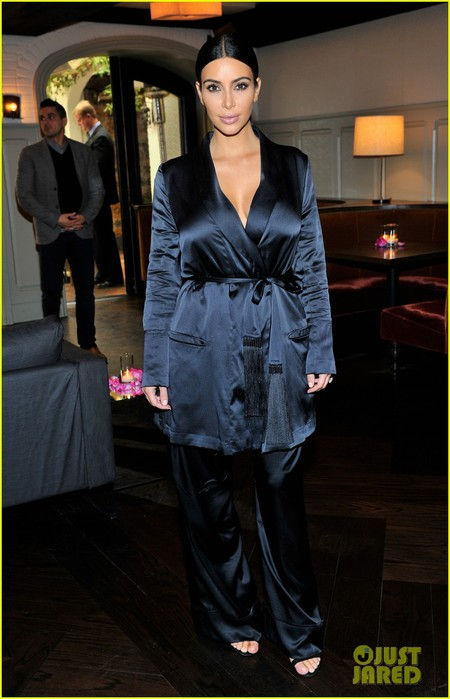 kim-kardashian-talks-about-struggling-to-get-pregnant-again-01 (450x700, 72Kb)