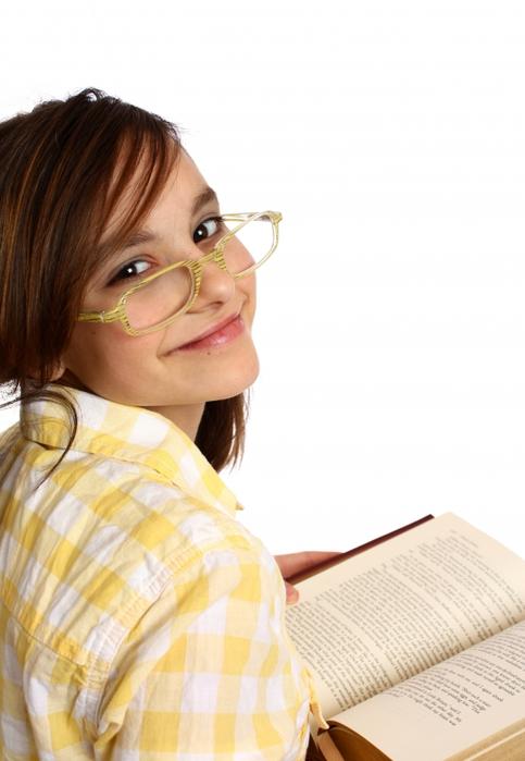 5221230_stockvaultasmartgirlwithglassesreadingabook159523 (483x700, 183Kb)