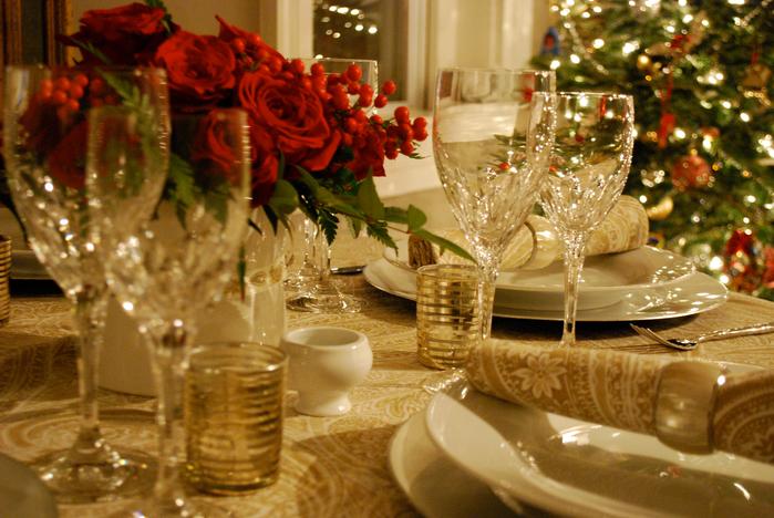 Świąteczny_stół_nakrycia_świętaczne_dekoracje_stołu_na_boże_narodzenie_11 (700x468, 487Kb)