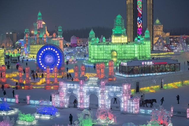 город из льда (640x426, 323Kb)