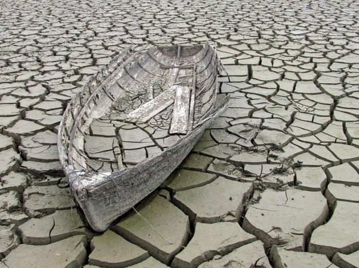 Старая лодка (700x524, 332Kb)