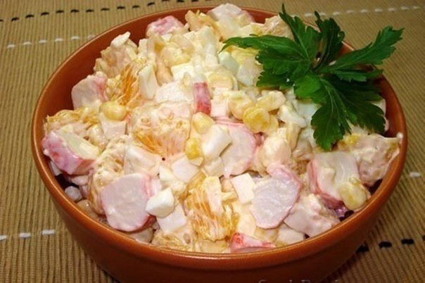 новогодний крабовый салат/1419354483_krabovuyy_salat_po_korolevski (604x402, 53Kb)