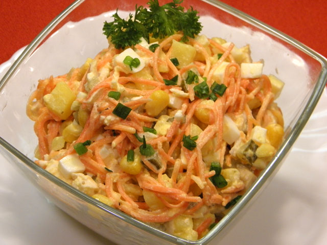 salat-iz-kuricy-s-koreyskoy-morkovkoy-i-kukuruzoy (640x480, 72Kb)