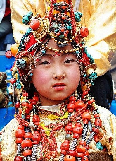 национальные костюмы жителей тибета 6 (397x550, 269Kb)