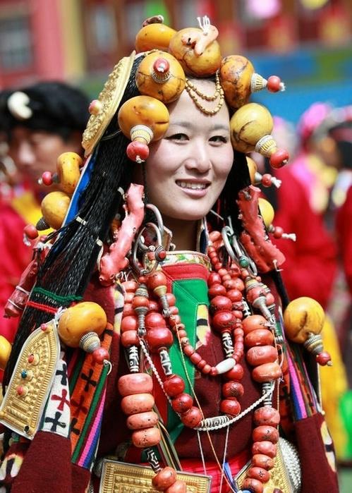 национальные костюмы жителей тибета 12 (499x700, 298Kb)
