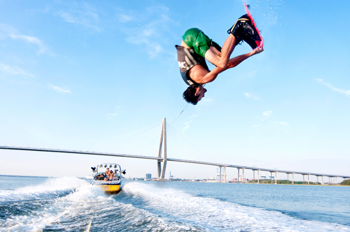 Patrick-Hall-Wakeboard-Tube-9 (700x464, 349Kb)