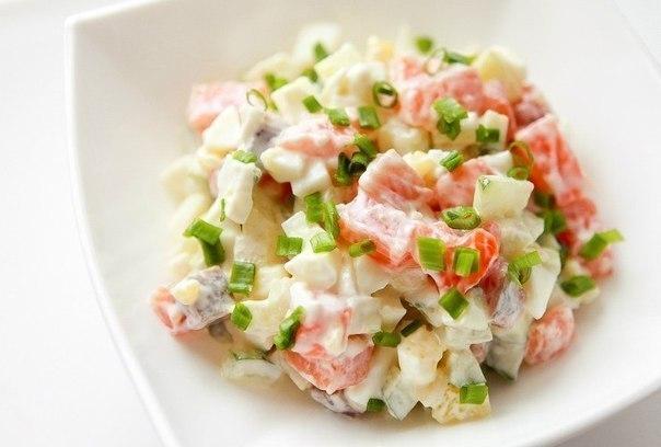 Салат с сёмгой и кальмаром рецепт