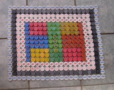 Массажный коврик из крышек от пластиковых бутылок (6) (400x316, 144Kb)