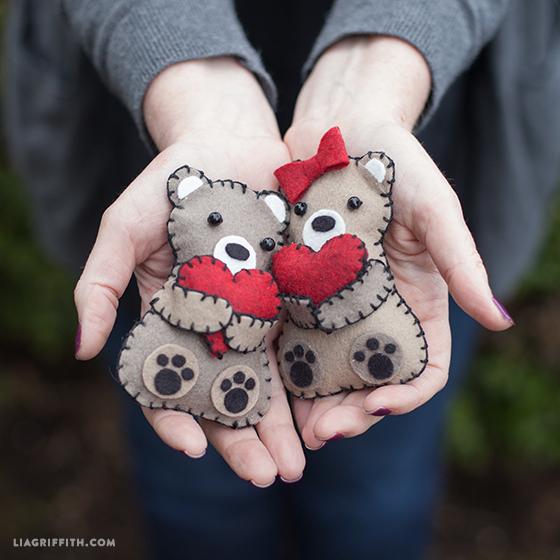 Felt_DIY_Heart_Bears (560x560, 292Kb)