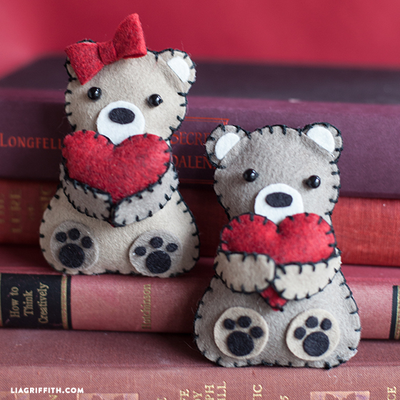 Felt_Valentines_Day_Bears (560x560, 332Kb)