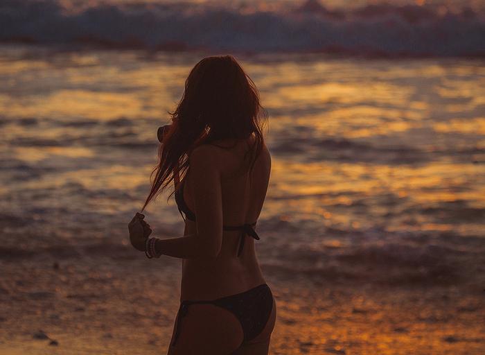 fotosessiya_devushek_na_plyazhe_1 (700x512, 305Kb)