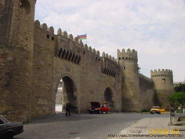 1267555510_x_b8cbda13 Крепостные стены (604x453, 134Kb)