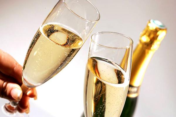 шампанское1 (600x400, 167Kb)