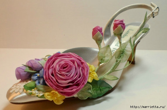 Цветы из ткани для украшения туфелек (25) (570x377, 101Kb)