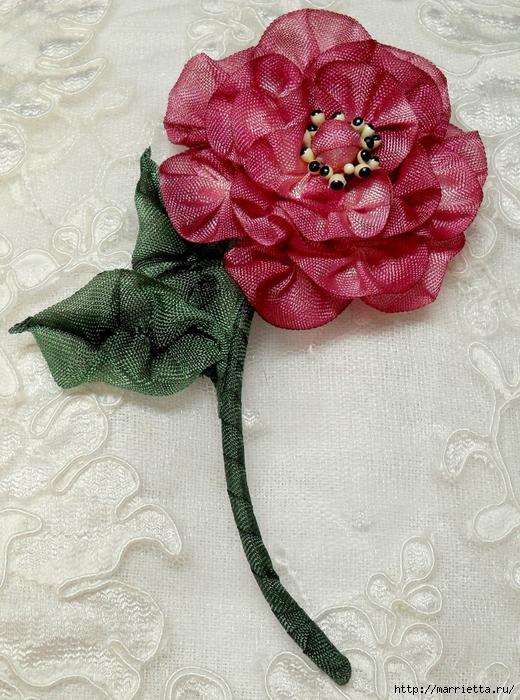 Цветы из ткани для украшения туфелек (33) (520x700, 364Kb)