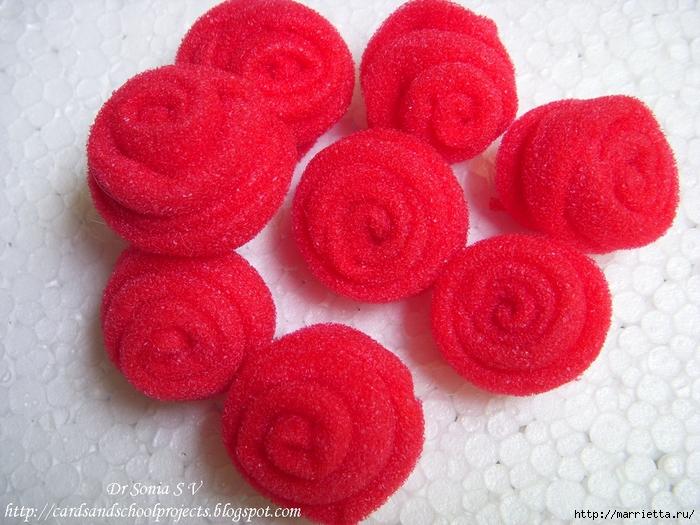 Розы из тонкого поролона. Мастер-класс (9) (700x525, 335Kb)