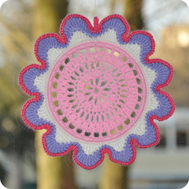Colorful flower crochet blog (640x639, 104Kb)