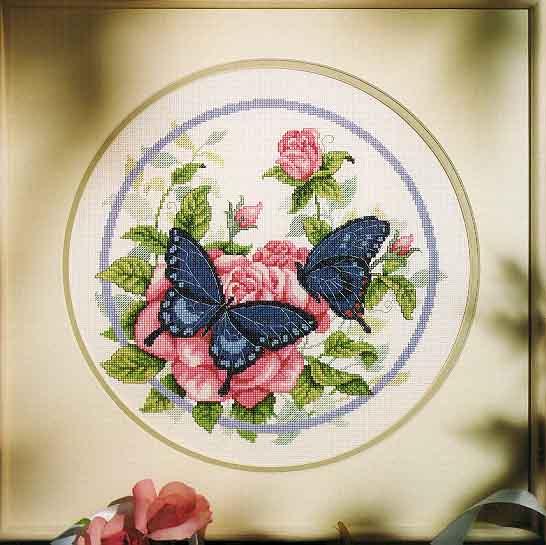 Butterflies N Roses (546x545, 43Kb)