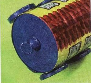 Сказочный паровозик из крышек и железных банок (11) (298x271, 78Kb)