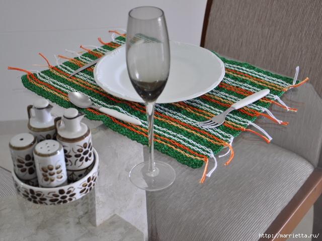 Салфетки крючком для сервировки стола (2) (640x480, 221Kb)