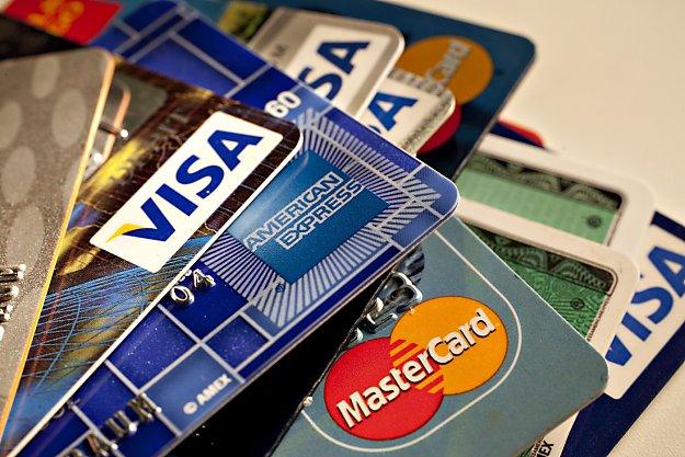 1327356309_bu-creditcards01_0502472897 (625x417, 78Kb)