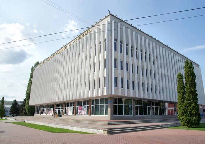 2111-Tambovskaja-oblastnaja-biblioteka-imeni-Pushkina (700x492, 356Kb)