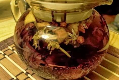 aromatnyj-vitaminnyj-cvetochnyj-nastoj (472x316, 37Kb)