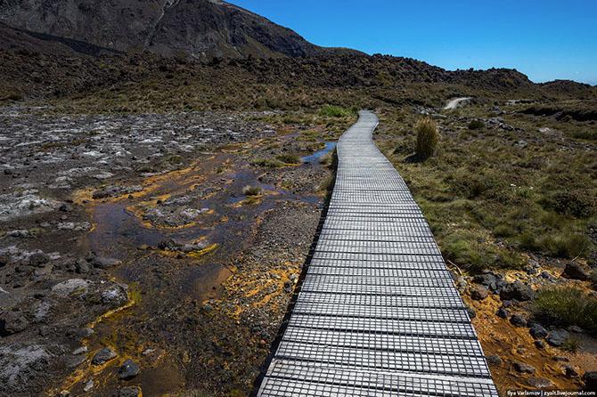 национальный парк Тонгариро Новая Зеландия 5 (670x446, 409Kb)