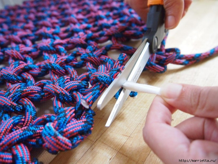 Плетение коврика из веревки (12) (700x525, 296Kb)