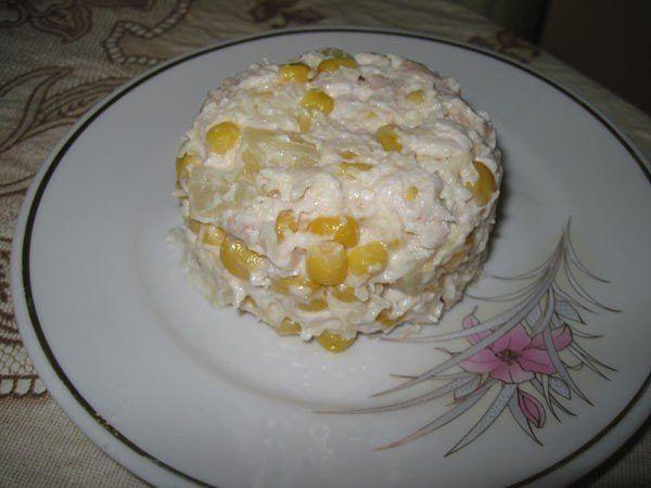 Салат из курицы с ананасами и кукурузой (600x450, 35Kb)