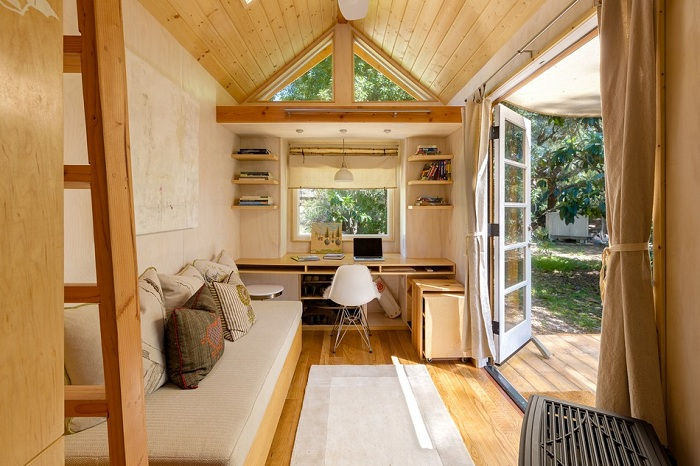 маленький деревянный домик 2 (700x466, 357Kb)