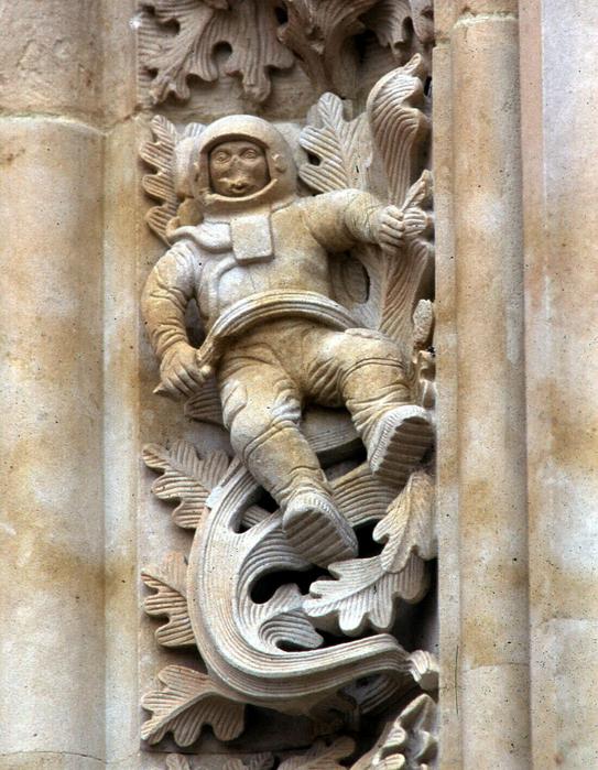 собор с космонавтом саламанка испания 8 (543x700, 553Kb)