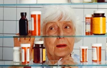 Почему у пожилых лекарства вызывают побочные эффекты без лечебного (350x222, 66Kb)