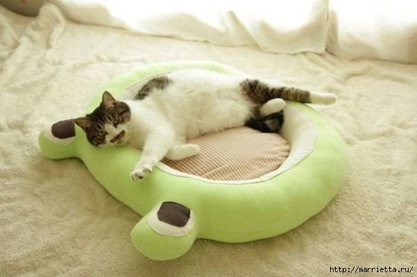 кроватка для кошки (1) (600x399, 106Kb)